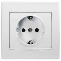 White socket with ground
