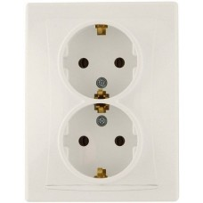 Cream double socket with ground